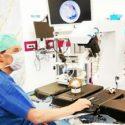 Au centre hospitalier régional universitaire (CHRU) de Brest, le professeur Rémi Marianowski a opéré un enfant de 30 mois atteint de surdité profonde